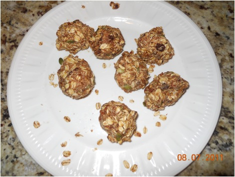 Oat balls are a huge hit at our house. After I baked this batch, they were gone in a matter of minutes.)