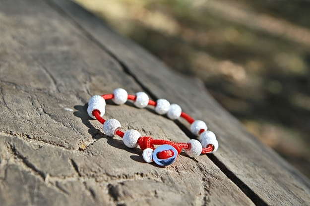 Use your Count Me Healthy journal bracelet to count moments of self-discipline. The cherry and sterling wrap pictured
