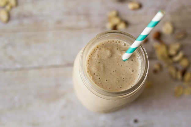 Chelsea Charles' Slimming Chocolate Peanut Butter Smoothie